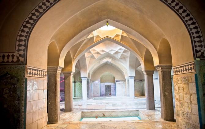 Bain du Hammam-e Ali Gholi Agha