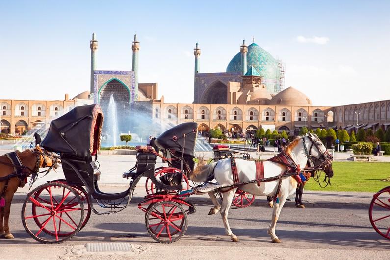 Place Naqsh-i Jahan à cheval