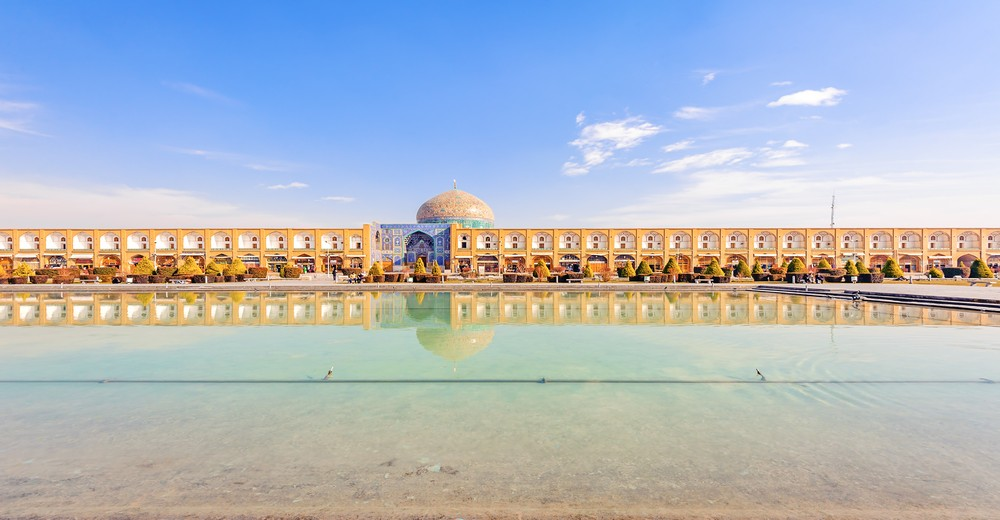 La mosquée sur la place Naghsh-i Jahan